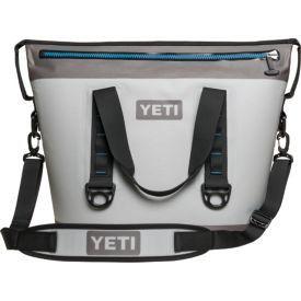 YETI Hopper Two 30 Cooler for Sale in Mesa, AZ