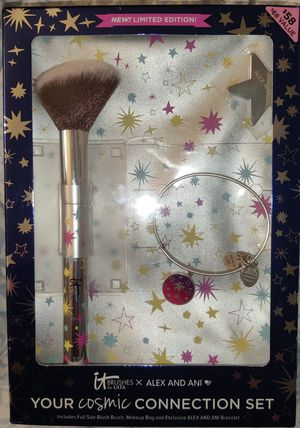It brushes by Alex and Ani large powder brush limited edition with bangle bracelet and cute star make up bag $68 for Sale in Issaquah, WA