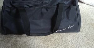 Kenneth Cole duffle bag for Sale in Beaverton, OR