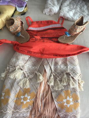 Moana costume worn once size 5/6 for Sale in Neptune City, NJ