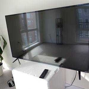 Vizio 55 Inch Smart Tv W Remote Model E-55c2 for Sale in Boston, MA