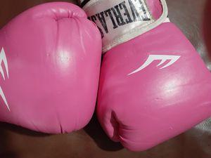 Everlast Boxing Gloves 12oz for Sale in Hawthorne, CA