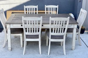 Dinning table for Sale in La Mirada, CA