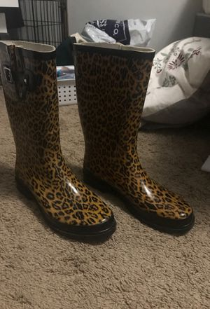 Women's Rain boot Size 9.5-10 for Sale in Portland, OR