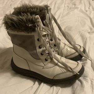 Girls snow boots for Sale in Northville, MI