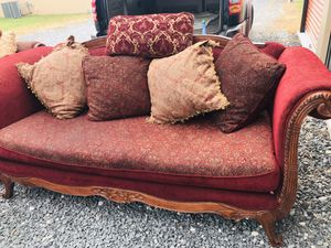Super sized sofa for Sale in Georgetown, DE