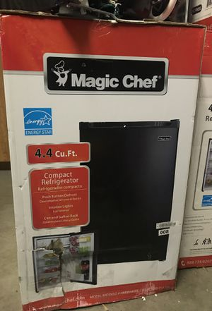BRAND NEW MAGIC CHEF 4.4 CU. FT COMPACT REFRIGERATOR for Sale in Phoenix, AZ