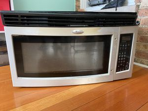 Whirlpool microwave oven for Sale in Chicago, IL