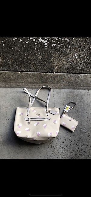 Floral Coach tote and wristlet for Sale in Beaverton, OR