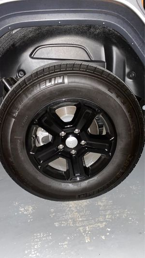 Michelin Tires and Jeep wheel rims (FULL SET of 5) for Sale in Austin, TX