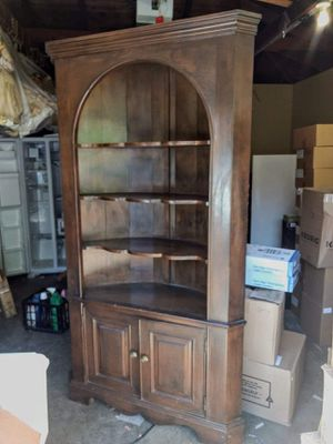 Gorgeous Rounded Corner Hutch for Sale in San Jose, CA
