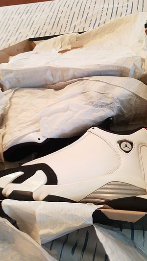 Jordan 14 black toe size 11 for Sale in Parma Heights, OH