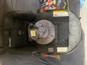 Graco click connect car seat with base for Sale in Killeen, TX