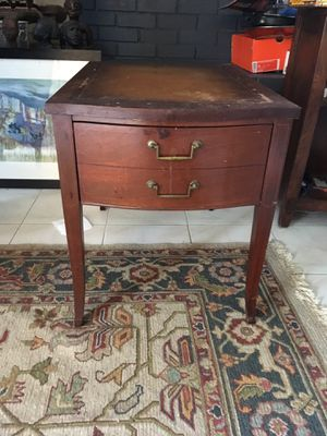 Antique wooden end table for Sale in Orlando, FL