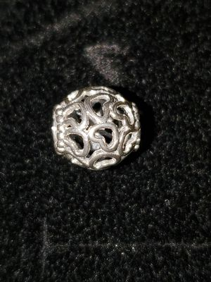 Pandora heart charm (Brand New) for Sale in Charlotte, NC