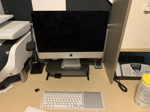 "2014 Apple Computer 21 x 15"" inch screen trackpad disk drive and Mouse. for Sale in MINETONKA MLS, MN"