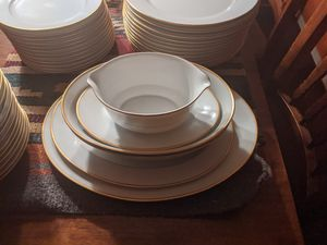Heritage China set for Sale in Goodyear, AZ