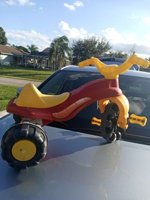 Toddler tricycle for Sale in Port St. Lucie, FL