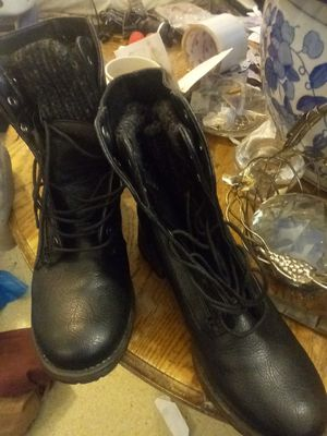 GH Bass and Co. Black boots...excellent condition size 81/2 for Sale in Portland, OR