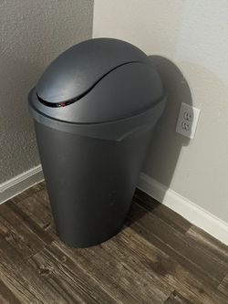 Trashcan Free for Sale in Houston,  TX