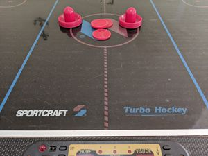 FULL SIZE AIR HOCKEY TABLE for Sale in Brandon, FL
