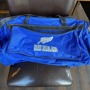 Duffle Bag for Sale in Federal Way, WA