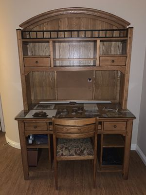 Desk for Sale in Rancho Cucamonga, CA