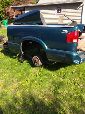 1996 Chevy s10 pick up Bed anparts for Sale in Milwaukie, OR