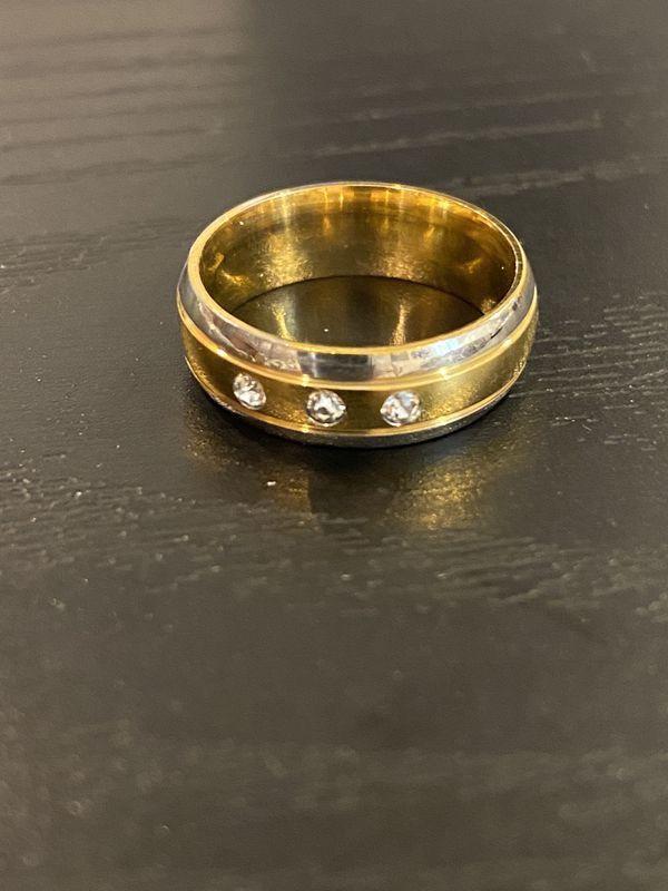 Unisex 18K Gold plated Engagement/ Wedding Ring