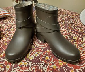 Womens army green Lucky rain booties boots 6 for Sale in Oklahoma City, OK
