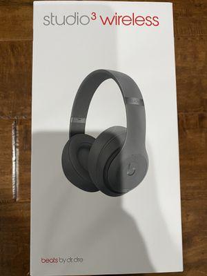 Beats- studio 3 wireless for Sale in San Diego, CA