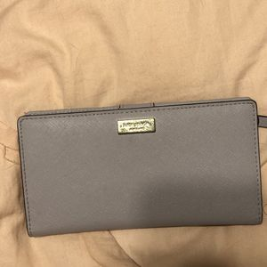 Kate Spade New York Wallet for Sale in Kissimmee, FL