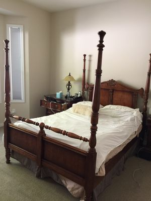 High end queen bedroom set for Sale in Redmond, WA