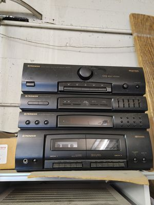Old stereo for Sale in Vancouver, WA