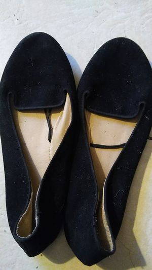 Free women's flats shoes for Sale in Rialto, CA
