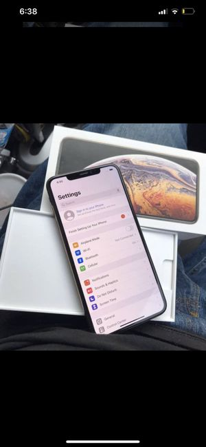 Clean iPhone XS Max 64 gb for Sale in Paramount, CA