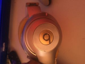 Beats studio wireless needs new earmuffs for Sale in Chesapeake, VA
