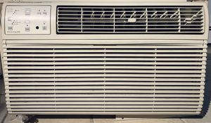 AC unit (Frigidaire- 8,000 BTU) for Sale in Paterson, NJ