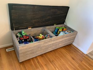 Rolling storage chest for Sale in Fort Leonard Wood, MO