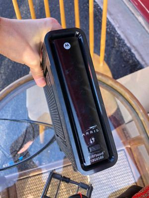 Motorola wireless router modem DOCSIS 3 SBG6580 (must go in two days) for Sale in Tucson, AZ