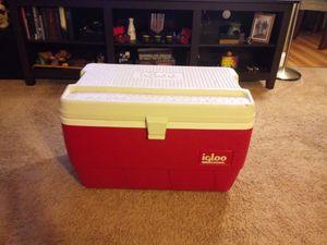 Igloo Marine Ice Chest Cooler for Sale in Burlington, NJ