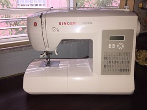 Singer Sewing Machine for Sale in Miami, FL