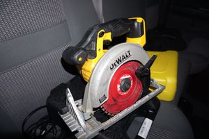 Dewalt skillsaw 20V MAX Great condition. for Sale in San Jose, CA