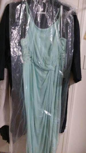 David's bridal mint green formal dress size 20 for Sale in Wenatchee, WA