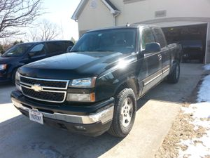 2006 Chevy Silverado z71 extended 1500 for Sale in Joliet, IL