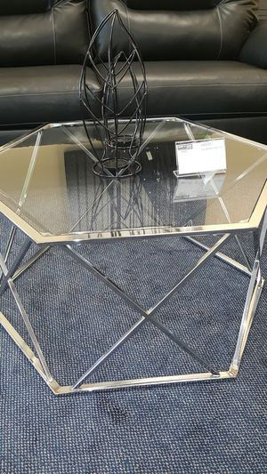 1 table and 2 end tables for Sale in US