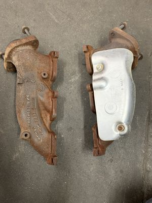 Ford 3.7l v6 exhaust manifold for Sale in Fountain Hills, AZ