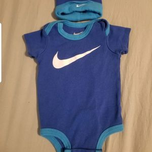 Baby clothes nike brand 0-6m for Sale in Las Vegas, NV