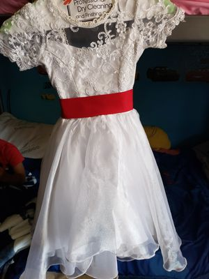 Flower girl dress for Sale in Paramount, CA