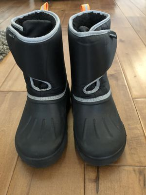 Kids water proof snow boots for Sale in Yorba Linda, CA